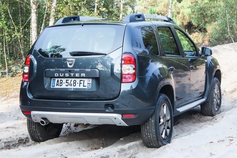 Рено Дастер новый кузов 2014 вид сзади